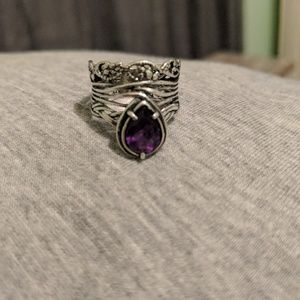 Jewelry - Silver ring with purple stone